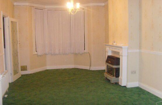 1 bedroom flat in Manor Park